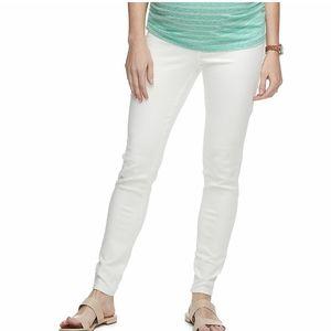 NWT Maternity White Dennin Skinny Jeans